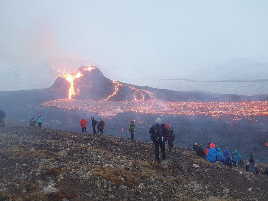 Efuzivní erupce
