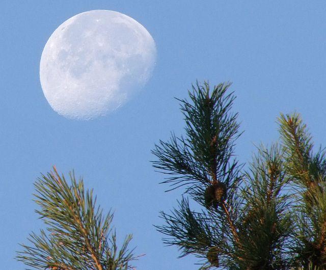 Barvy Měsíce
