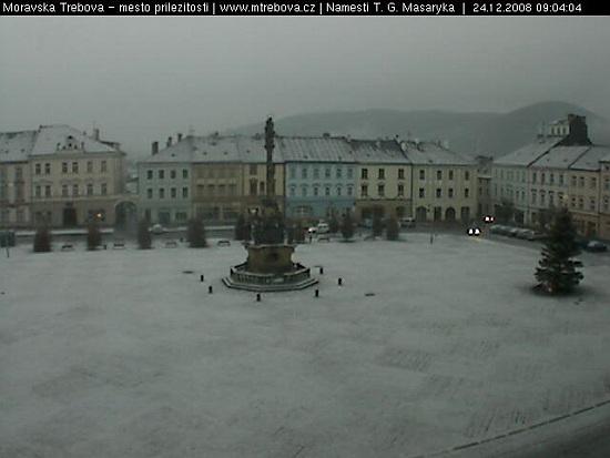 Sníh dnes ráno ve městě moravská třebová v nadmořské výšce