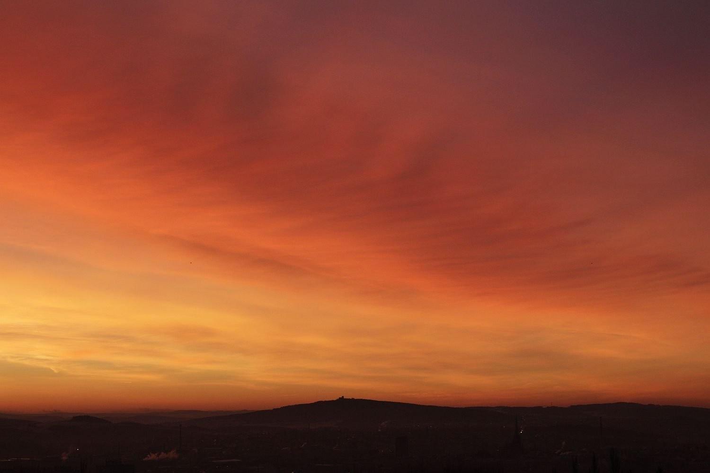 Barevný východ slunce