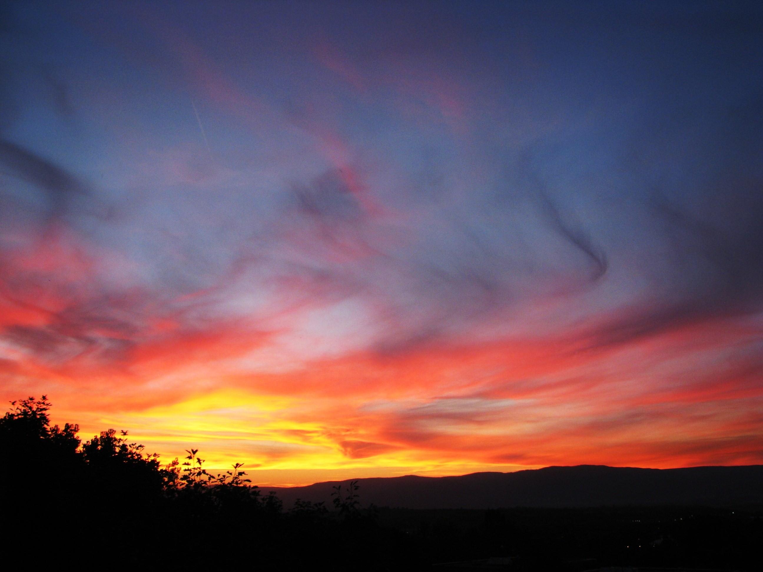 Ohnivý západ Slunce