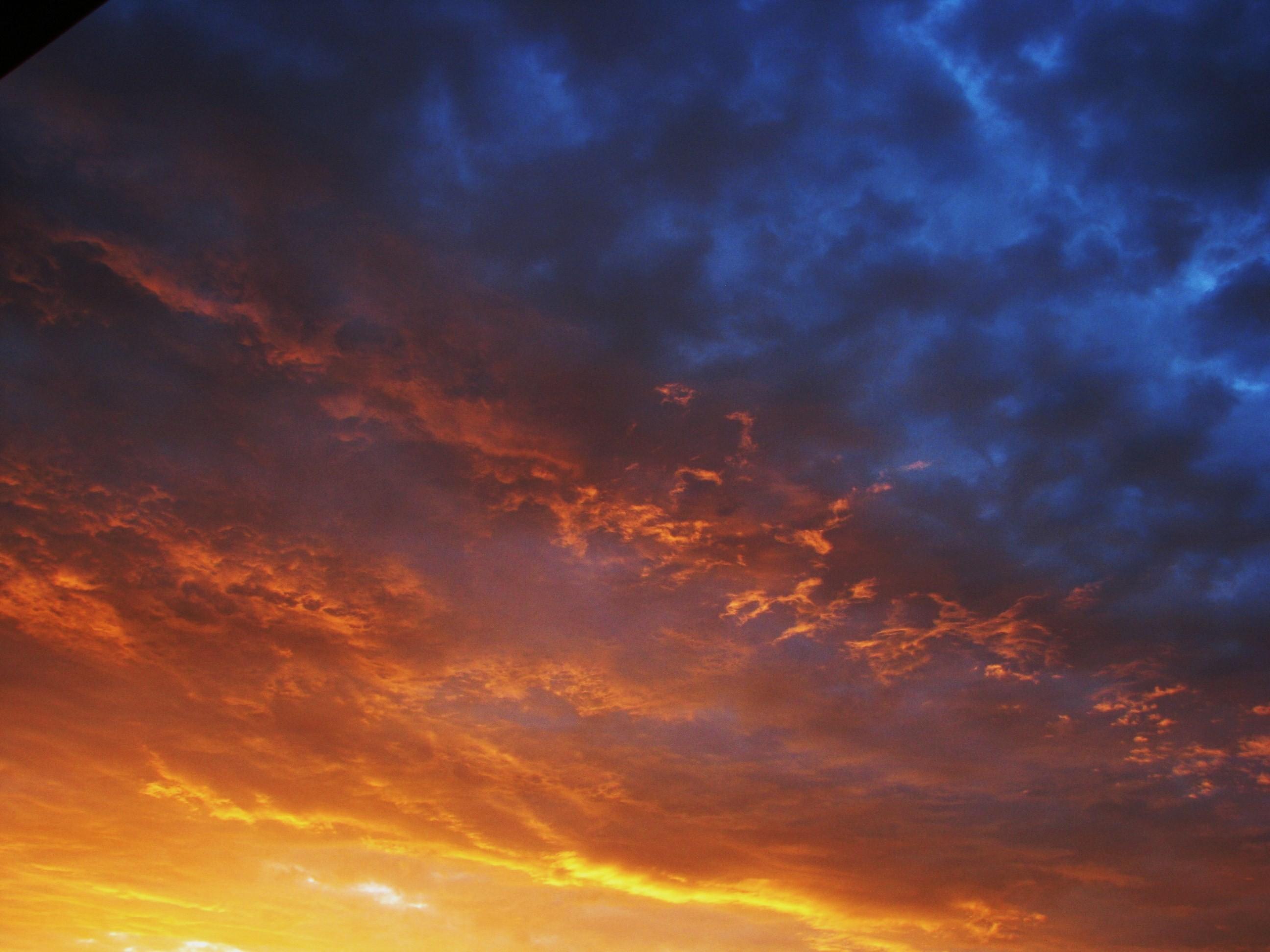 Letní večerní obloha
