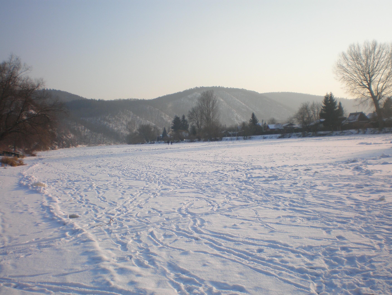 Zamrzlá řeka Berounka