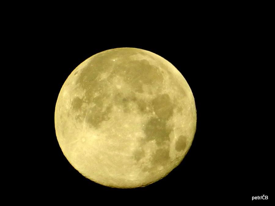Magický noční měsíc