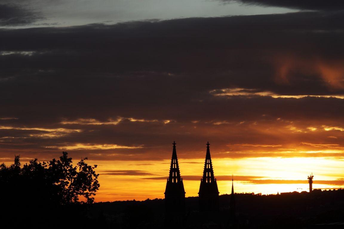 Západ slunce nad Vyšehradem