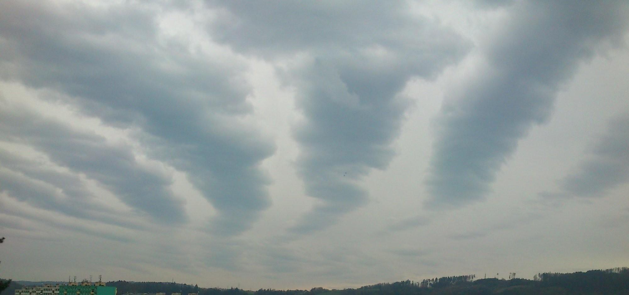Vlny v oblacích