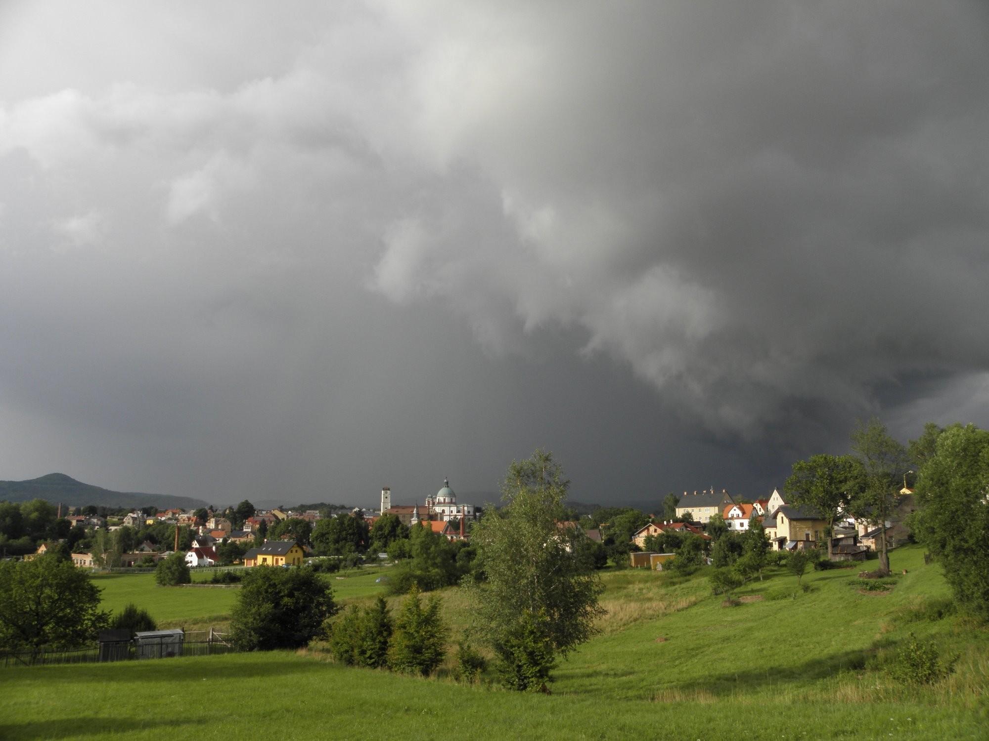 Bouřka u Jablonného.