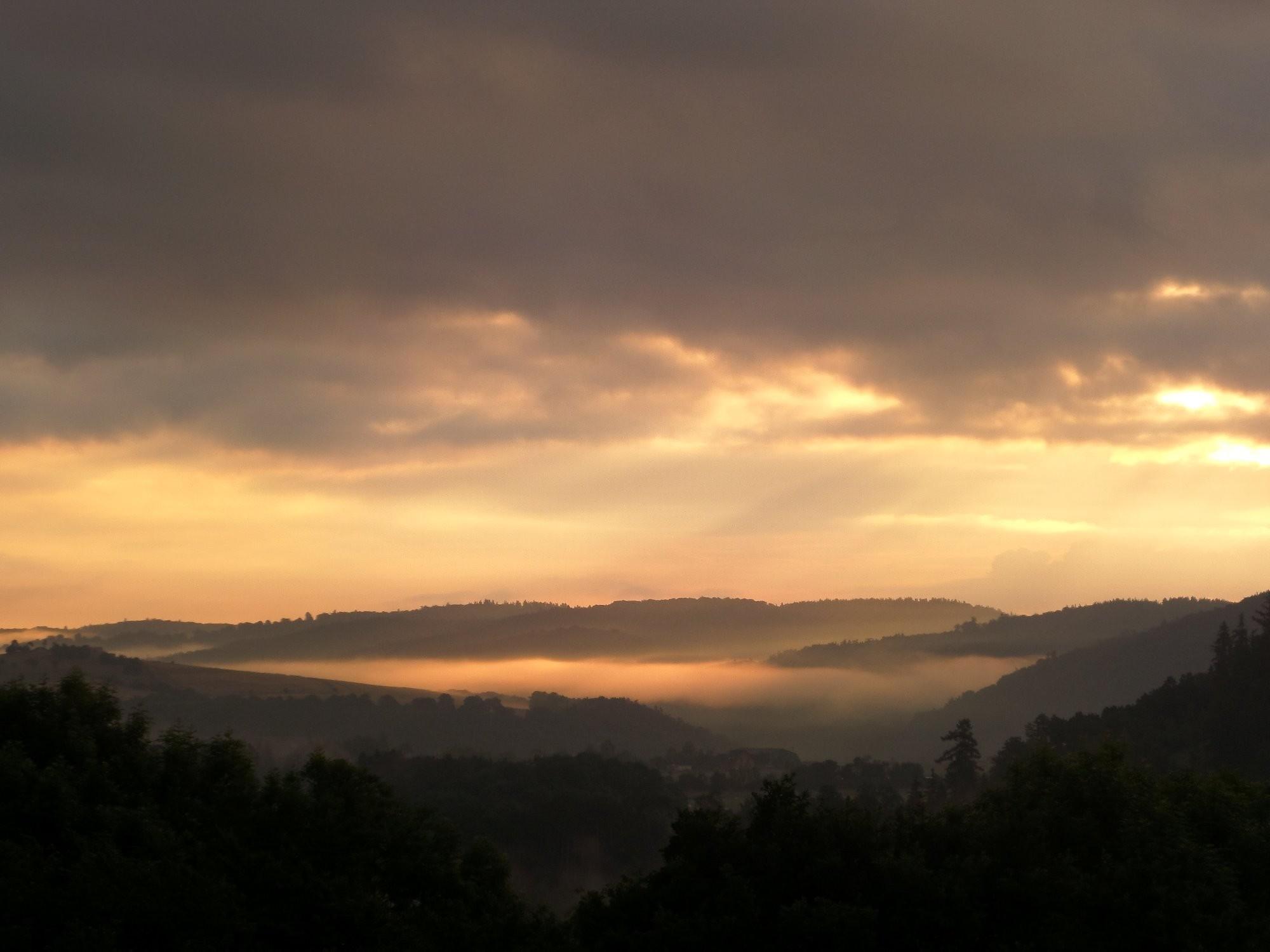 Východ slunce na Křivoklátsku