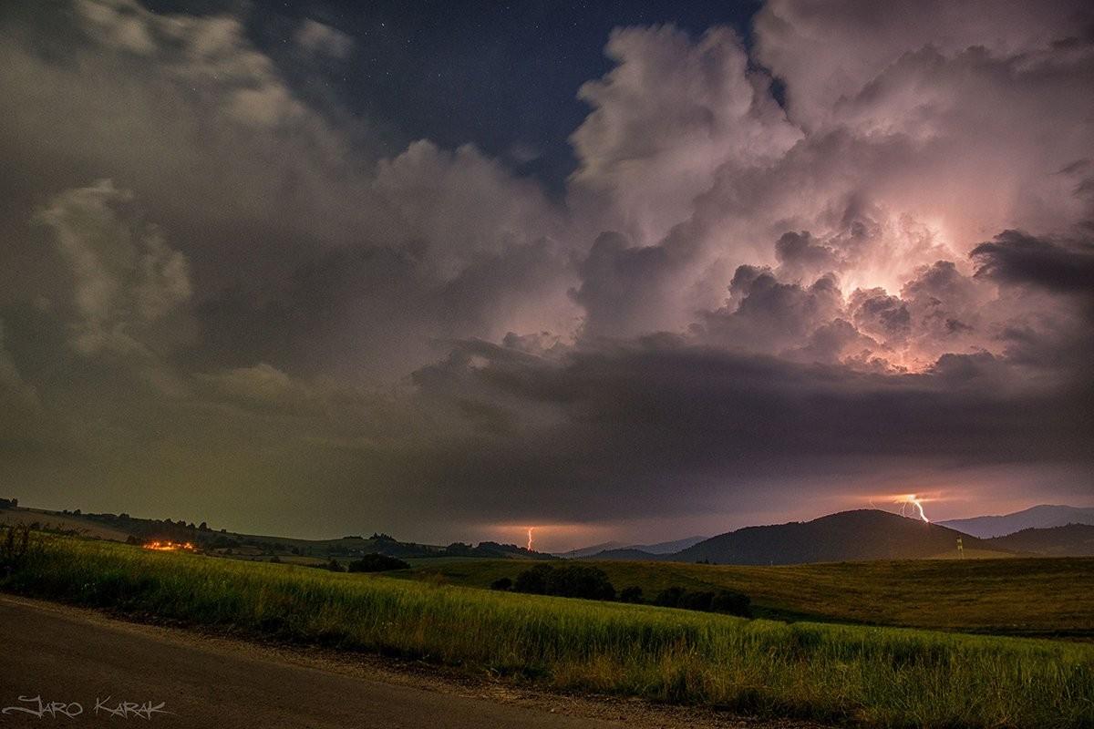 Nočná búrka v okolí Brezna
