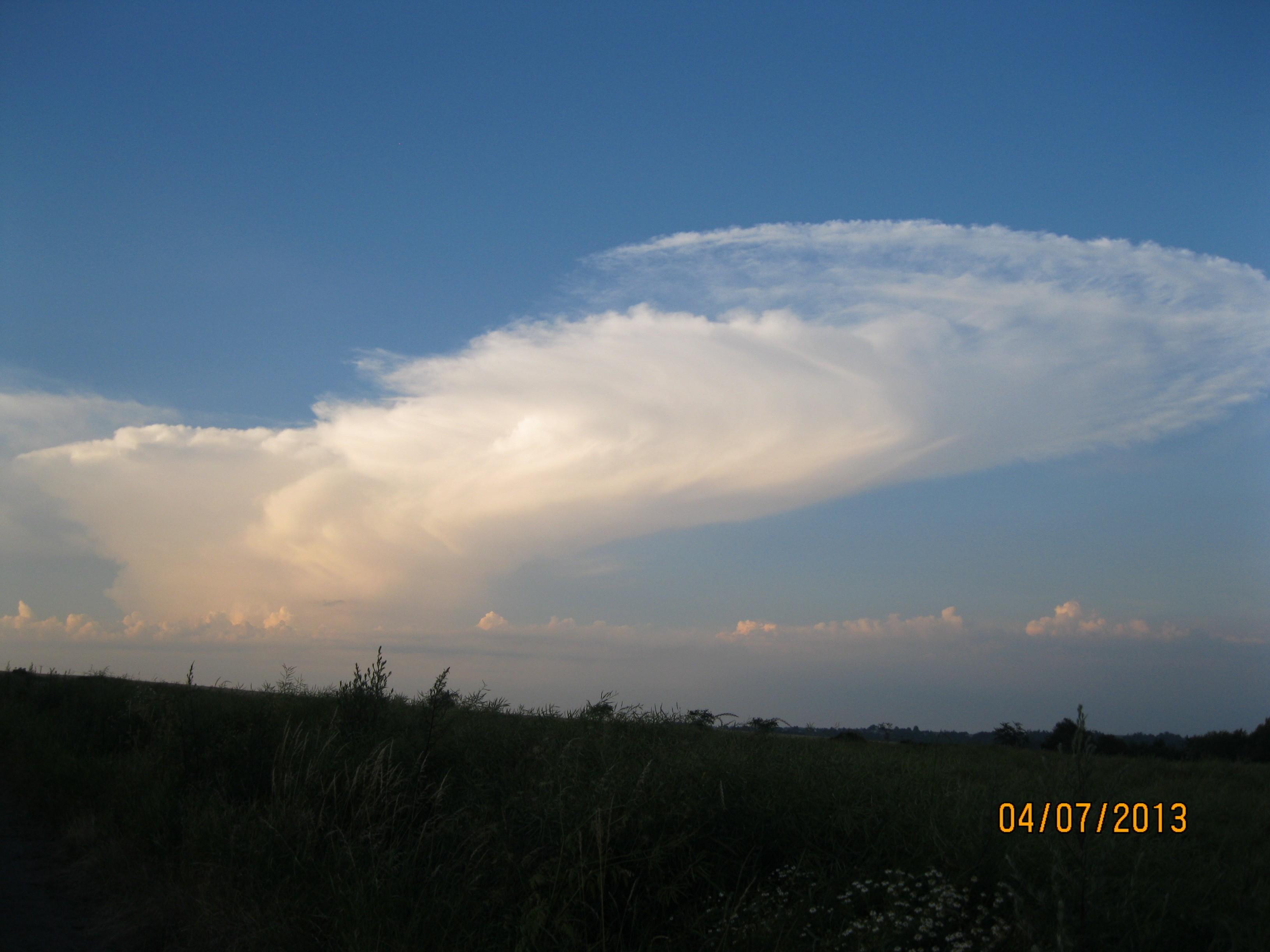 Bouřkový oblak nad jižnim Polskem