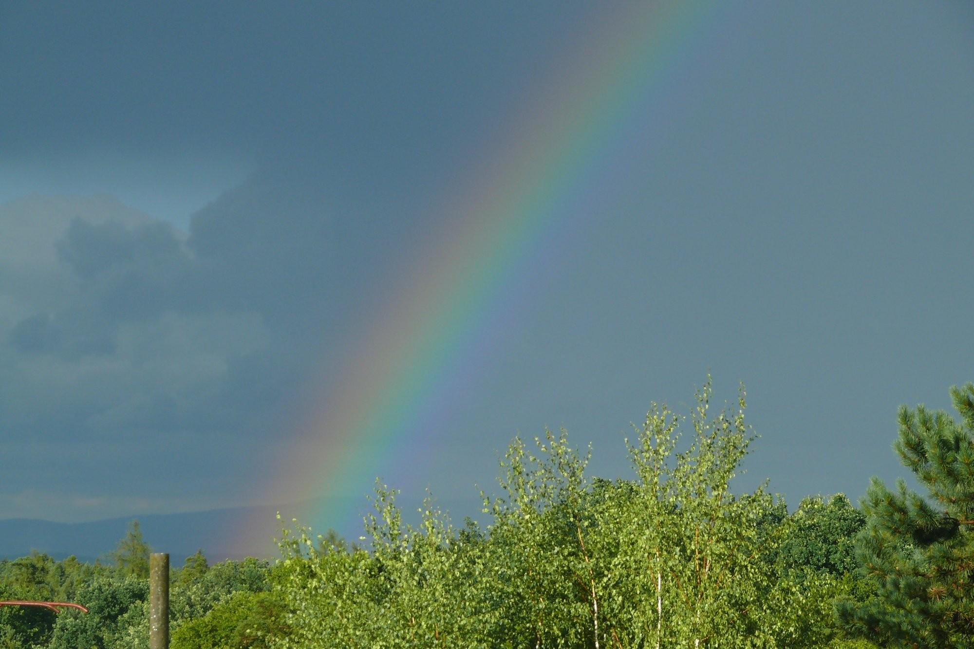 Duha po silné bouřce