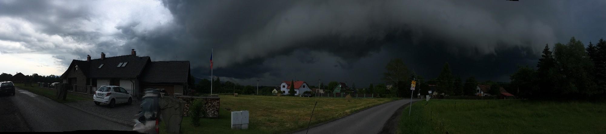 Vendryně před bouří