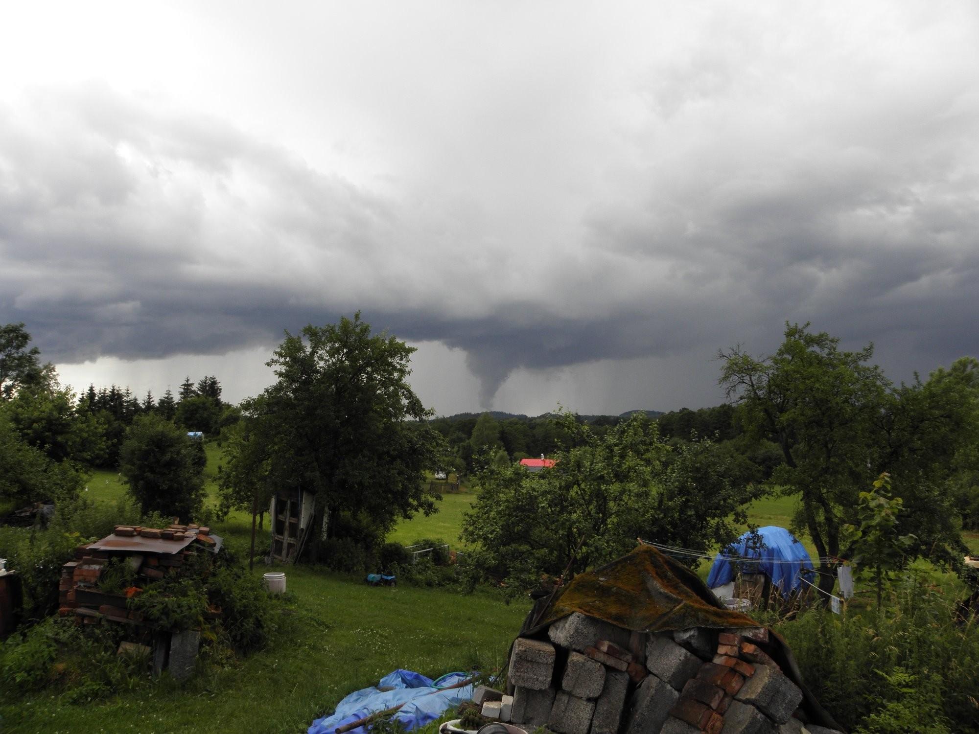 Bouřka u Jablonného v Podještědí