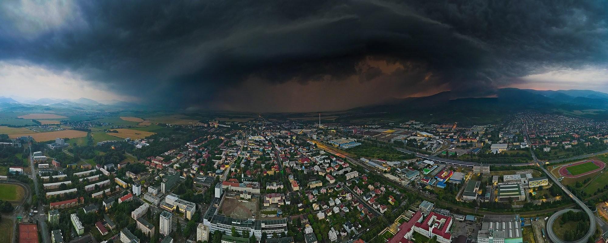 Prichadzajúca búrka