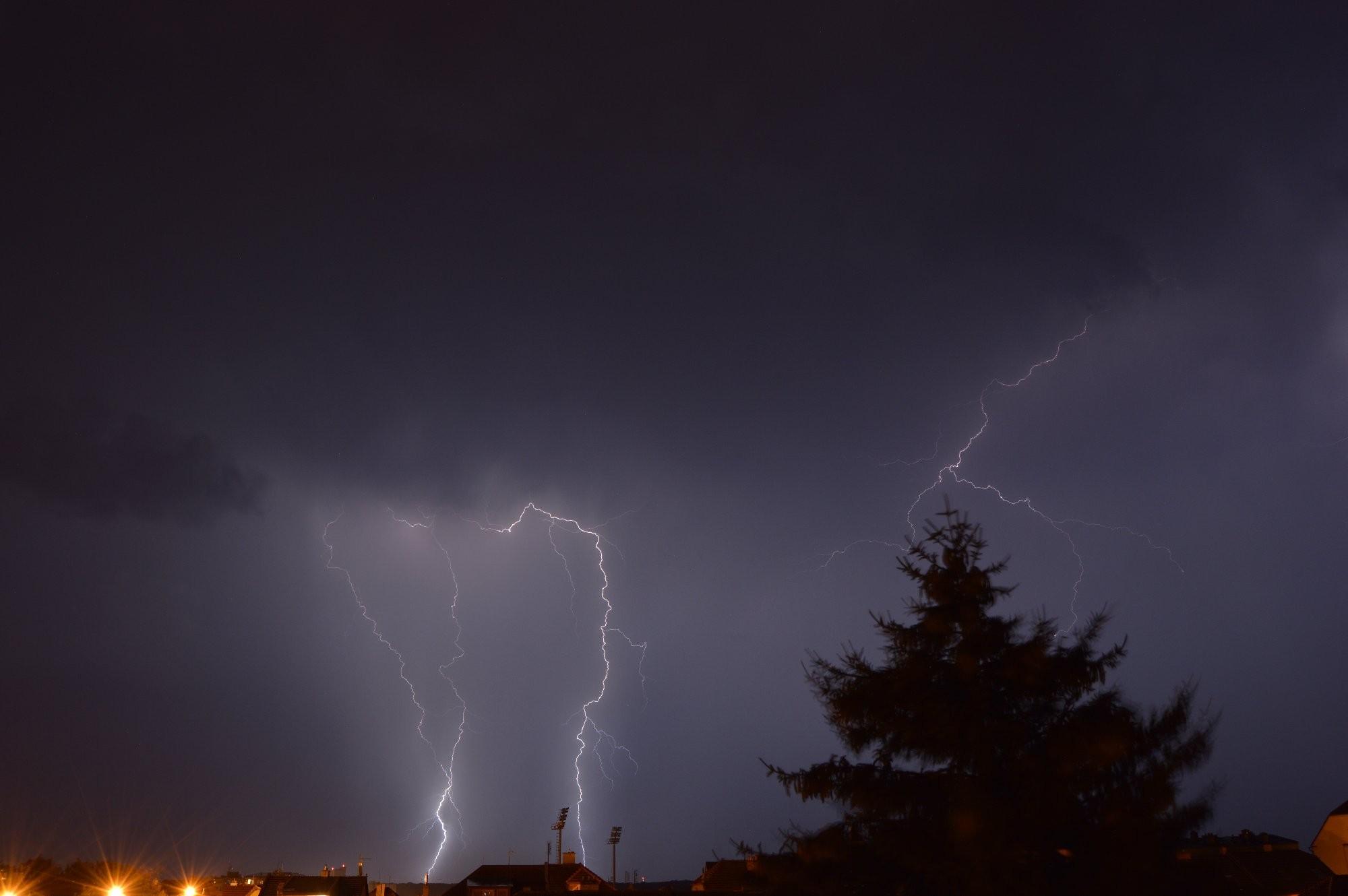Noční bouřka 15.8.2015