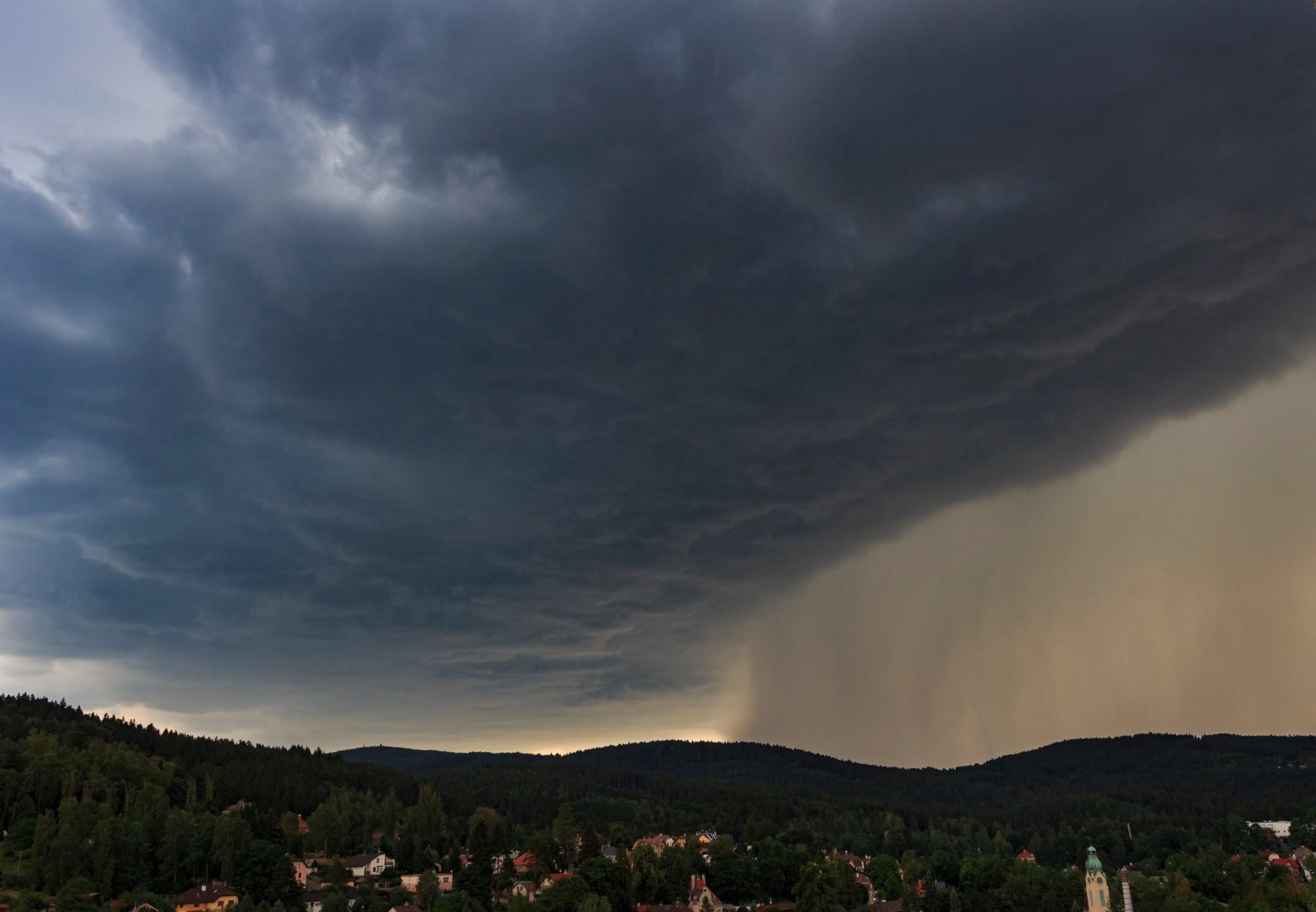 Příchod bouřky Jablonec nad Nisou
