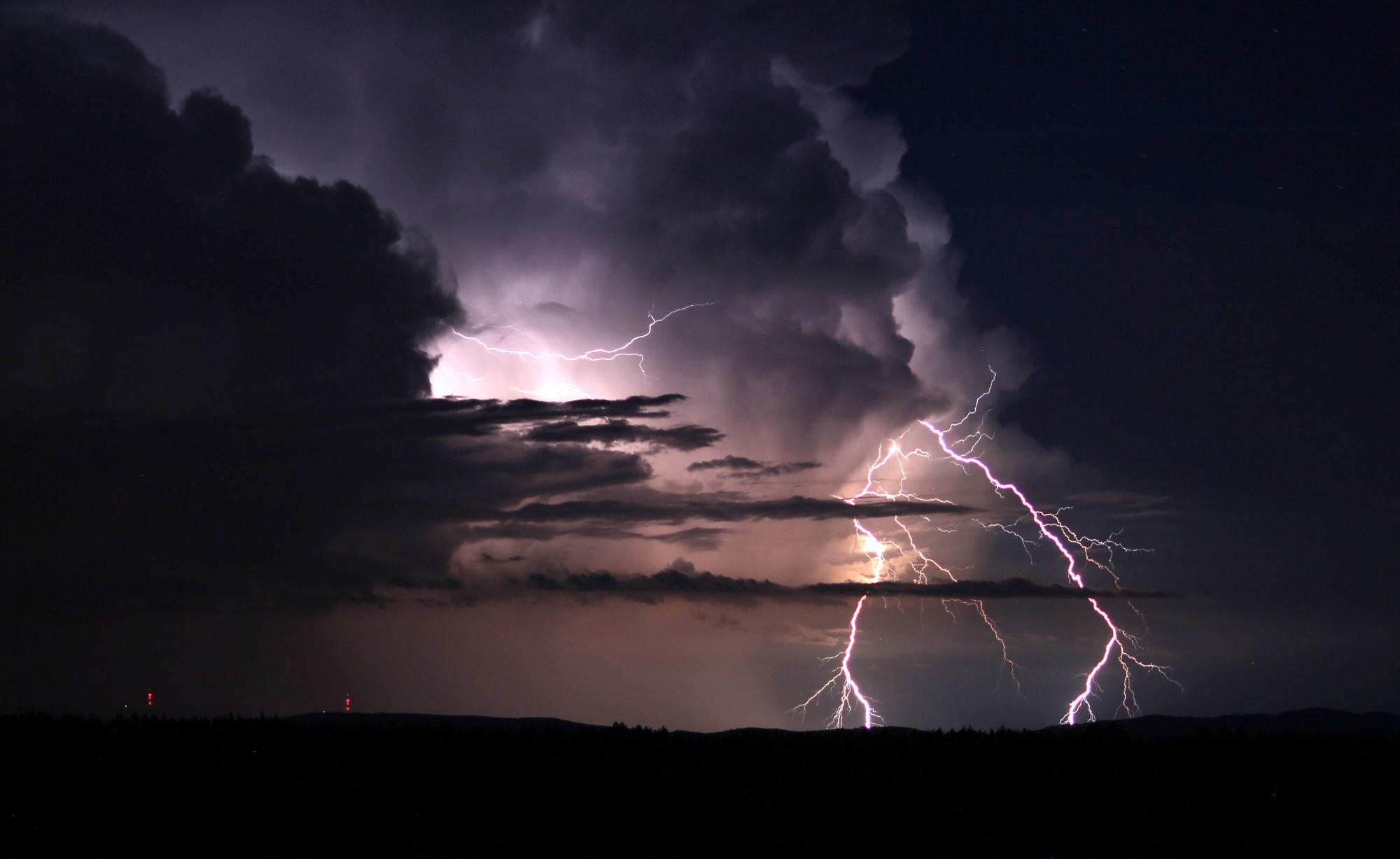 Noční bouřka