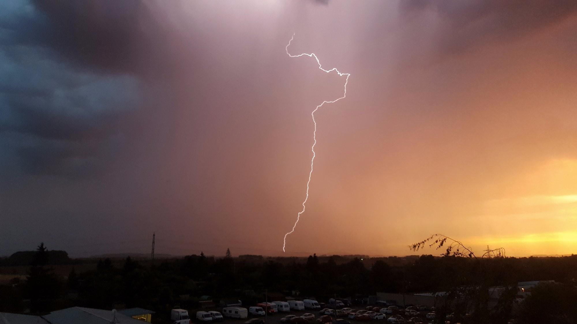 Bouřka u Neratovic