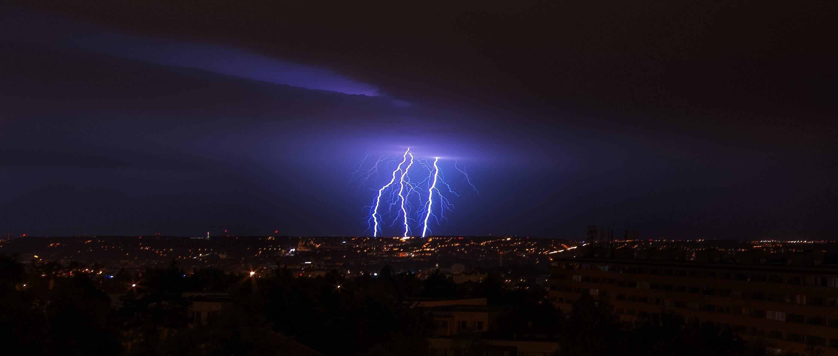 Praha v bouři