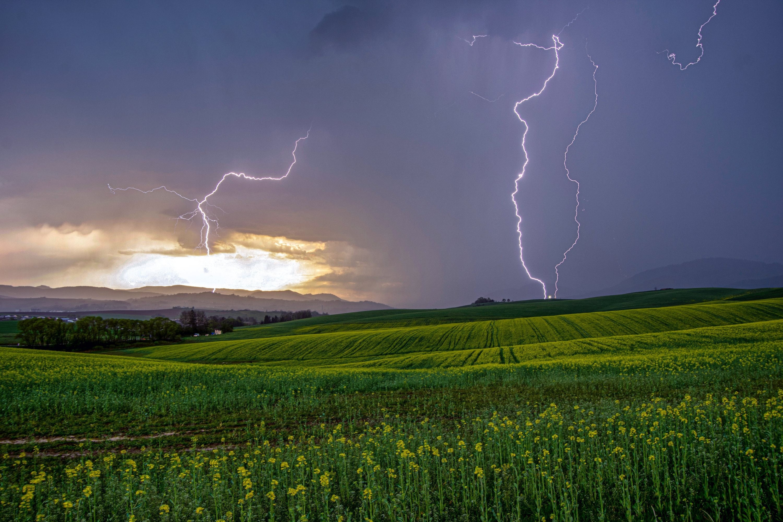 Jarná májová búrka