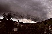 Shelf cloud nad Bílými Karpatami