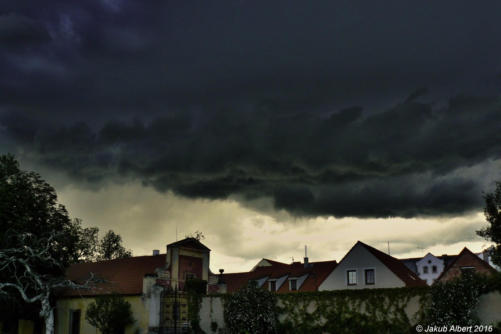 Příchod bouřky do Libochovic