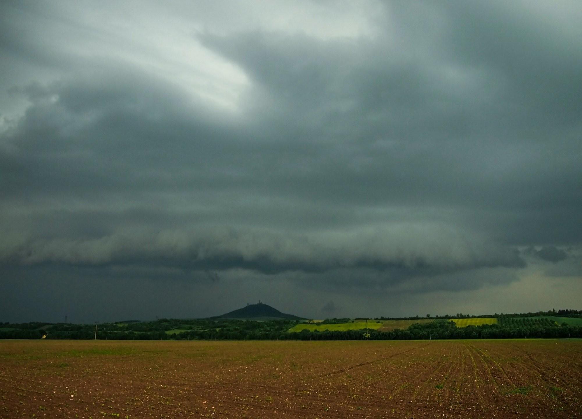 Temná historie bouře