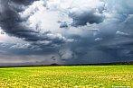 Odpolední bouřka nad Řípem
