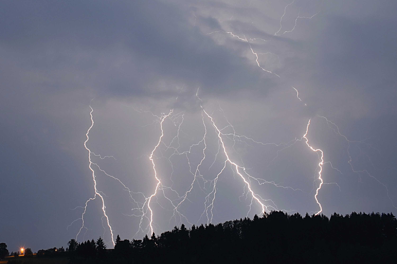 Ranní bouřka na Semilsku