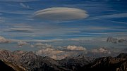 Oblak Lenticularis nad Alpami