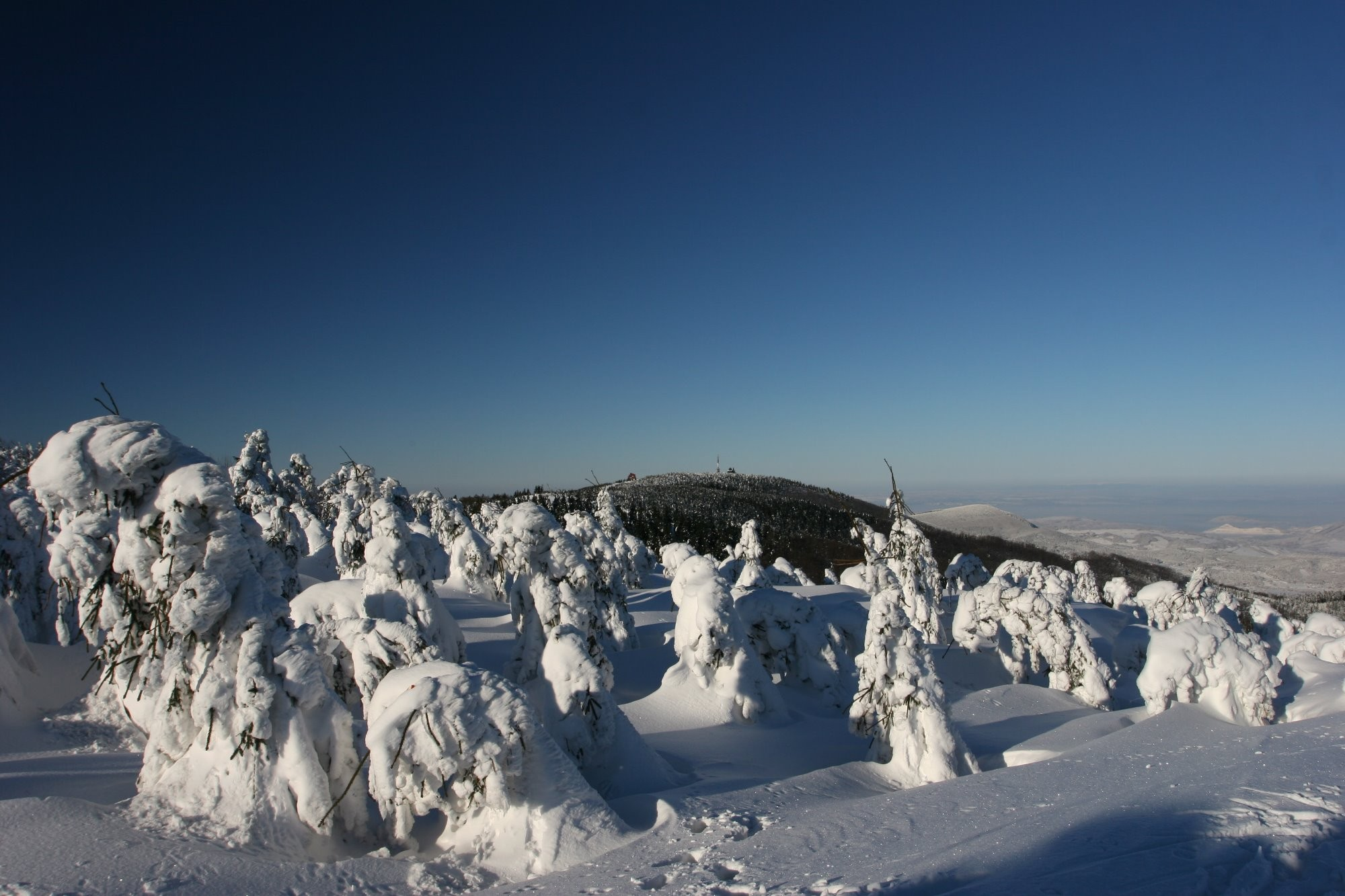 Sněžné postavy na Radhošti