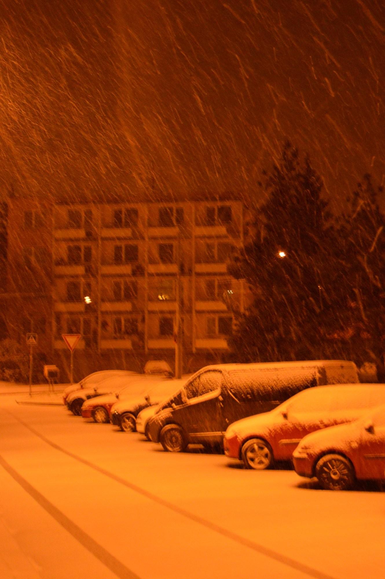 Noční sněžení v Brně
