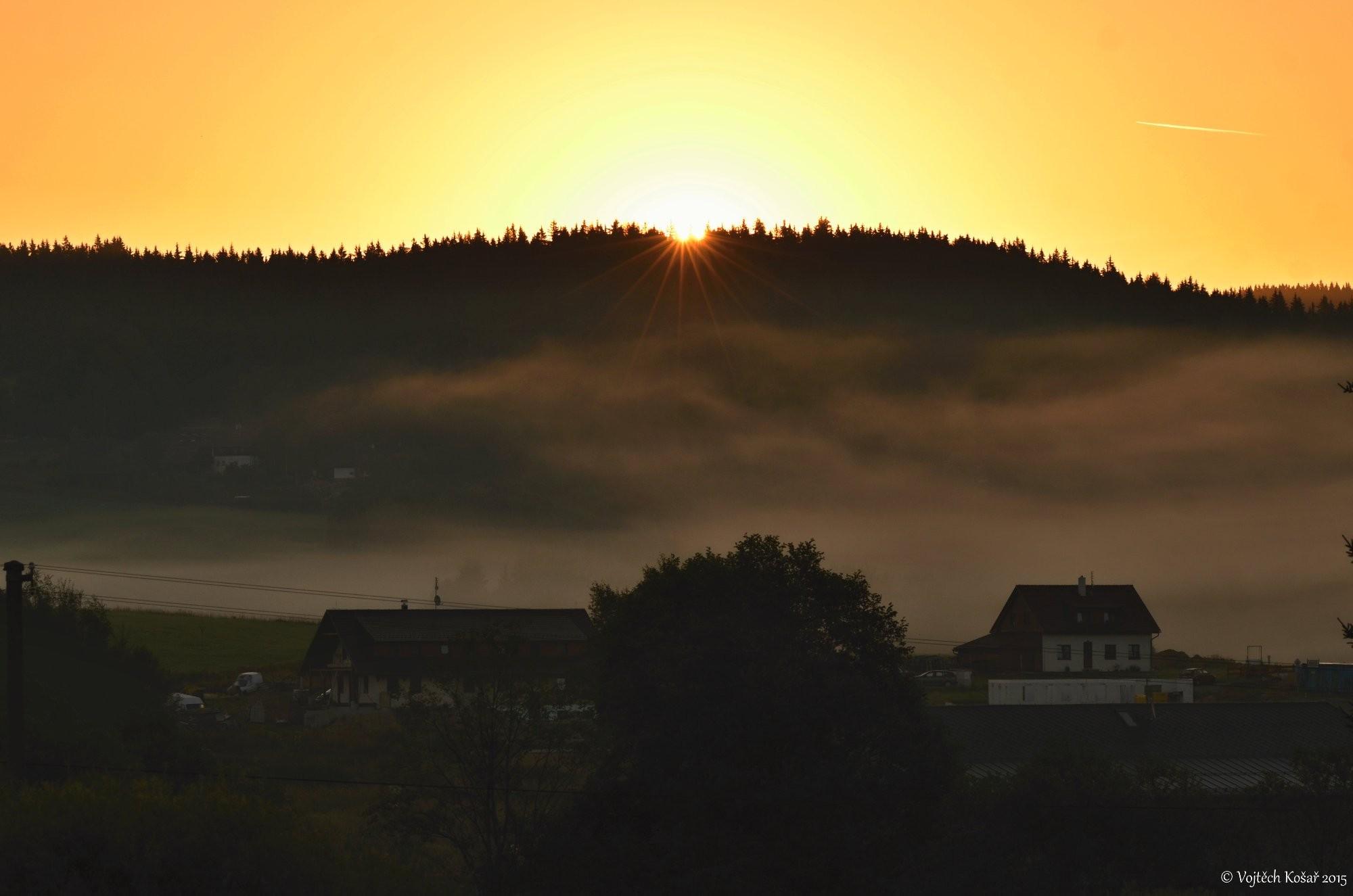 Východ slunce-Šumava
